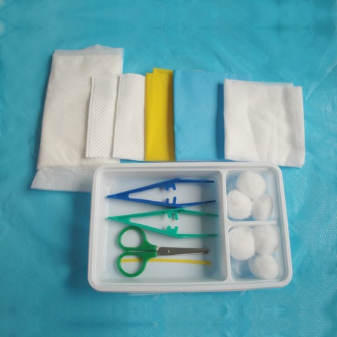 Disposable Dressing Pack pack M with scissor
